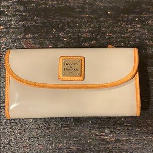 Grey patent leather Dooney & Bourke wallet